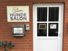 HUNDEFRISEUR IM HUNDESALON FÜR WENTORF, AUMÜHLE, GLINDE